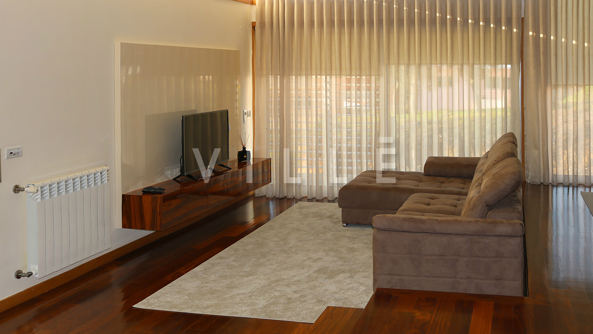 House 3 Bedrooms Modern Architecture - Perosinho